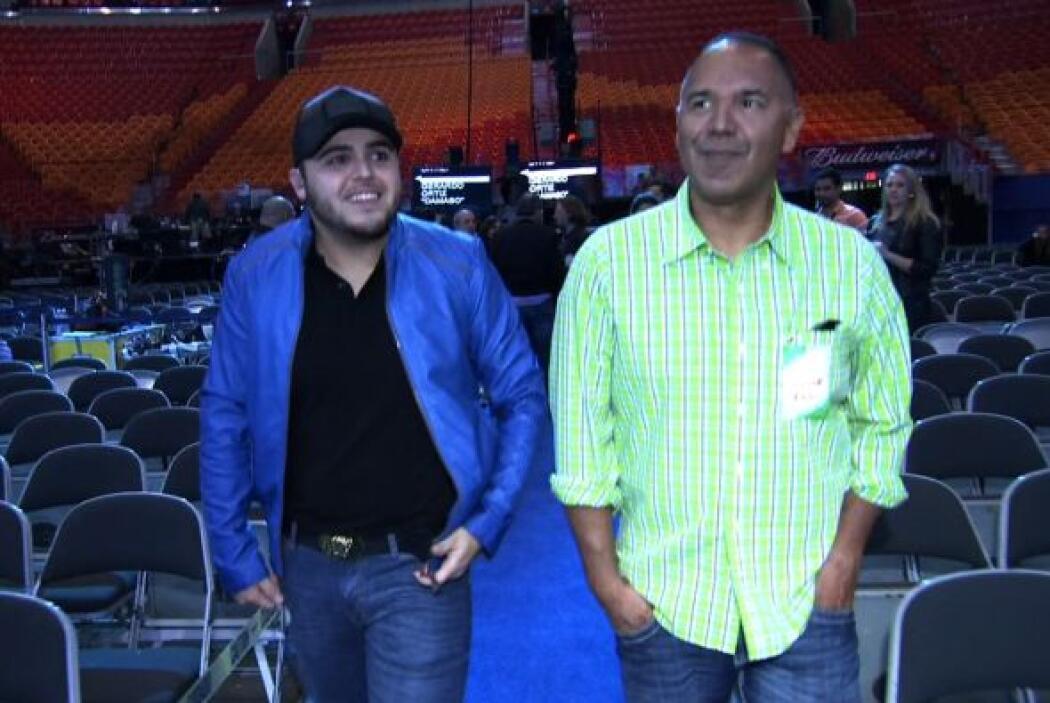 Gerardo Ortiz en los ensayos de Premio Lo Nuestro