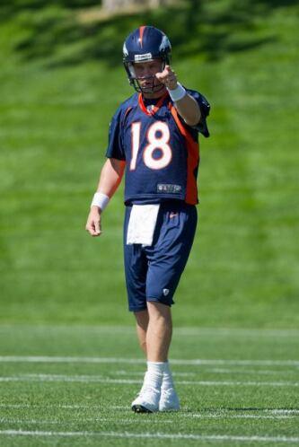 En el sitio 10: El recién quarterback contratado por los Denver Broncos,...
