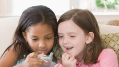 Los niños modernos pasan hasta ocho horas diarias pegados a sus gadgets....