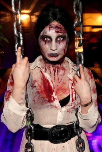 Así es como Demi se atavió para asistir a su fiesta de Halloween, en Wes...