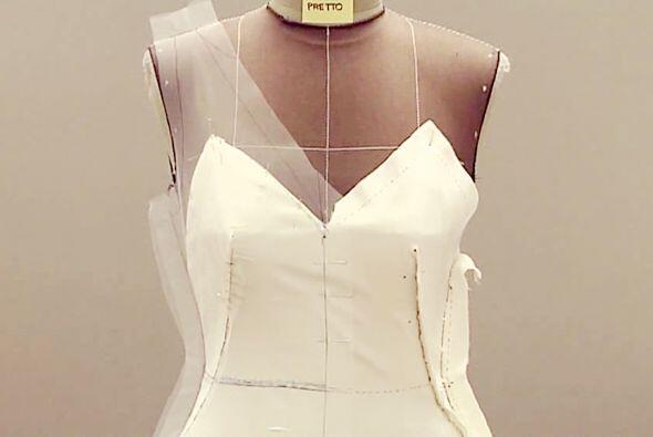 Fue una creación de seda especialmente diseñada para ella,...