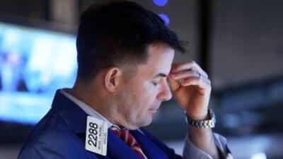 Wall Street vivió el jueves su peor jornada en ocho semanas, con fuertes...