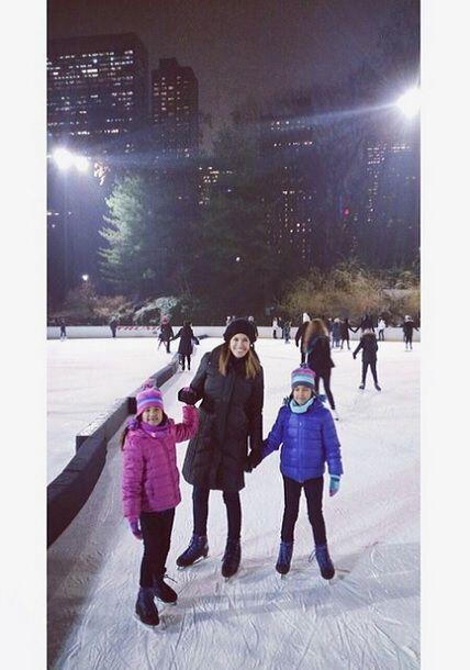 """""""Aquí volviendo a ser niña! #iceskating #centralpark #NYC..."""