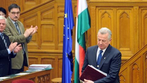 El presidente húngaro Pal Schmitt en el Parlamento de Budapest el...