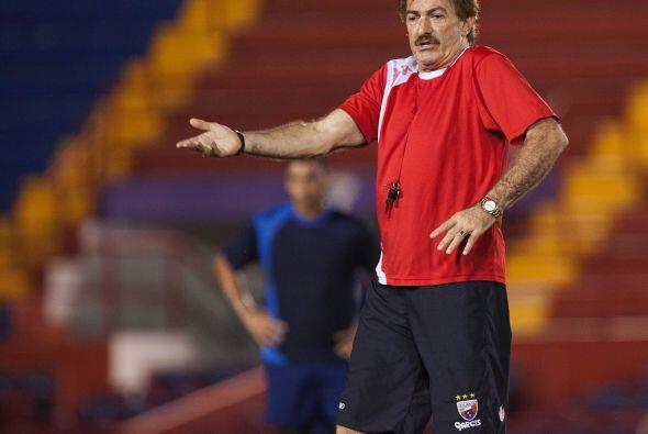 Ricardo La Volpe, vivió una ''pelea'' con uno de sus jugadores cuando di...