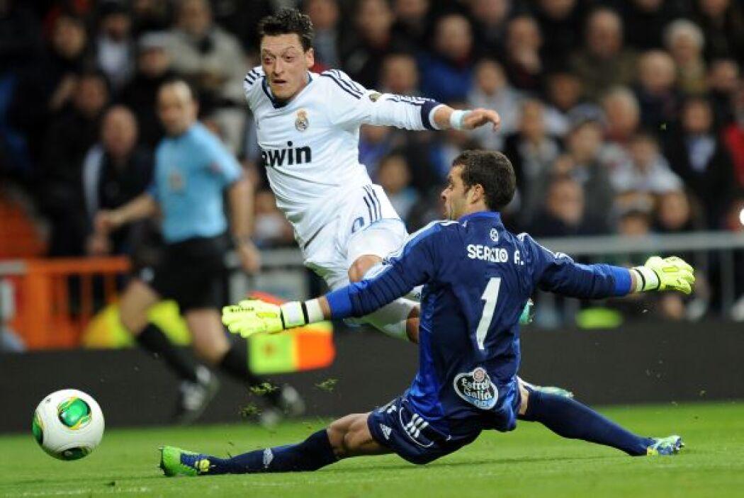 El Madrid pudo sentenciar, pero se quedó con el 2-0 en la primera parte.