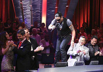 Elvis Crespo fue reconocido como el artista de la semana.