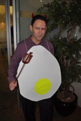 Otro de nuestros compañeros, Josh, estaba dispuesto a ganar la competenc...