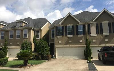 Autoridades respondieron a un tiroteo en esta residencia al suroeste de...