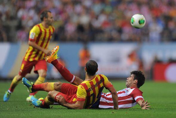 Al juego de los catalanes le seguía faltando mayor verticalidad y sus to...