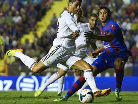 El Real Madrid se llevó un triunfio ajustado del campo del Levante en un...