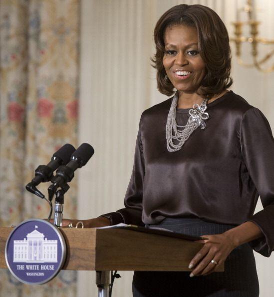 Michelle Obama está constantemente ante las cámaras y micr...