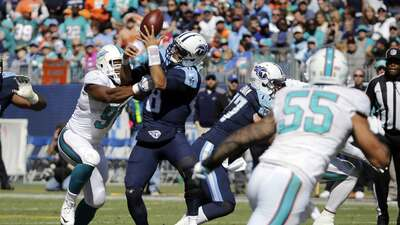 Dolphins 38-10 Titans: Wake y sus 4 capturas dieron triunfo a Campbell e...