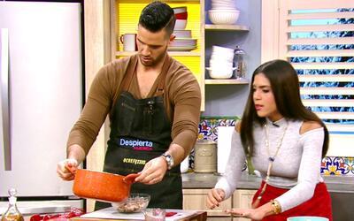 El chef Jesús nos enseña a preparar una deliciosa sopa de tortilla de pollo