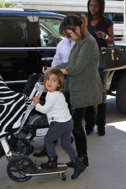 Mason nació el 14 de diciembre de 2009.Mira aquí los video...