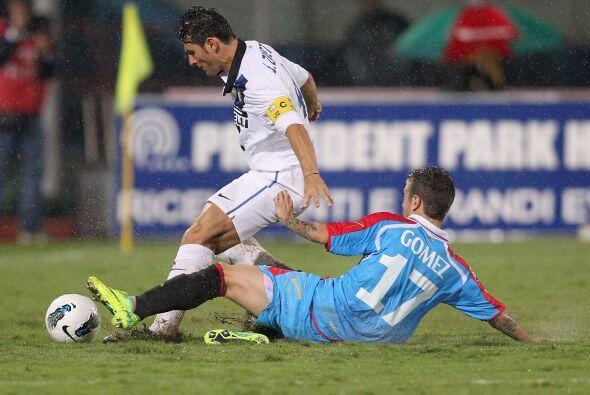 Ranieri mandó a los delanteros a buscar el gol del empate pero no se pudo.