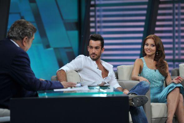 Aarón Díaz y Angelique Boyer llegan a hablar sobre sus per...