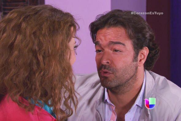 Diego anda muy cariñoso con ella.