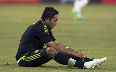 Marco Fabián, aquejado por las lesiones con su club y con 'El Tri'.