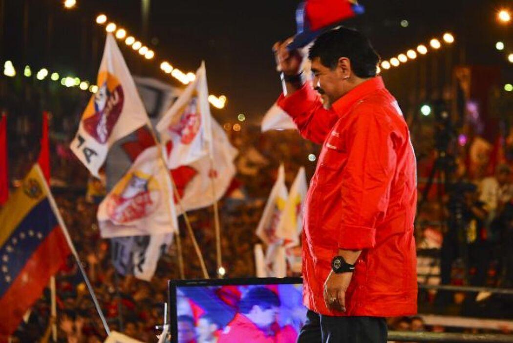 Los seguidores chavistas marcharon por las principales avenidas del cent...