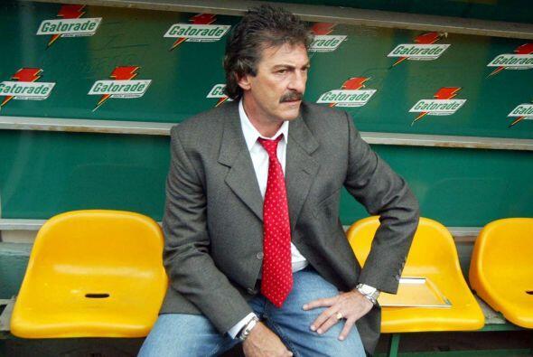 En 1989 comenzó su primer paso por el Guadalajara. Ese frustrante...