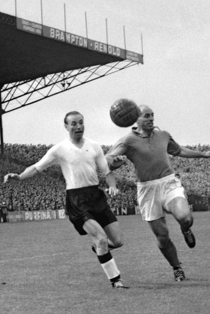 En 1956 inauguró la lista de premiados con el galardón al mejor futbolis...