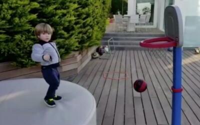 Sasha Piqué Mebarak demuestra tener talento para el tenis y para...