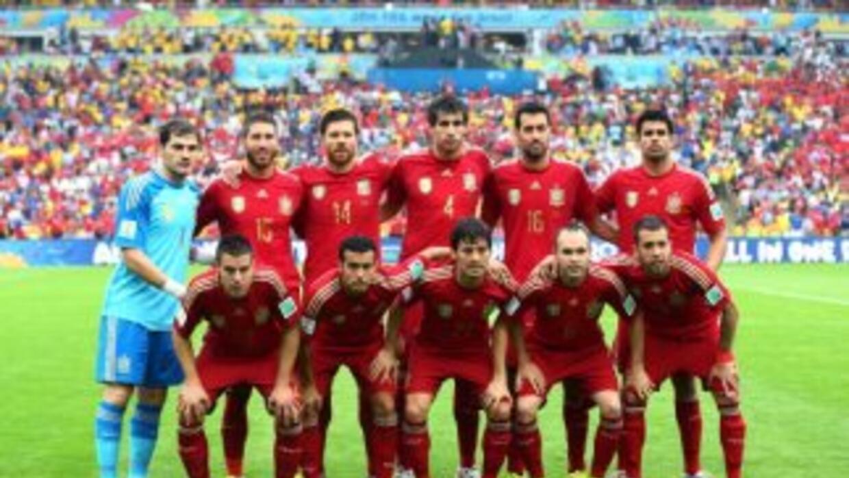 La selección española posa antes del partido contra Chile en el Maracaná...