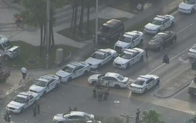 Al menos ocho personas salieron heridas en medio de tiroteo durante la c...