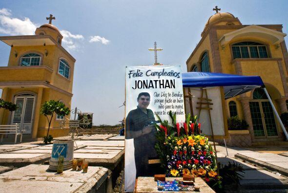Las tumbas del cementerio sinaloense Jardín de Humaya son un ejemplo de...