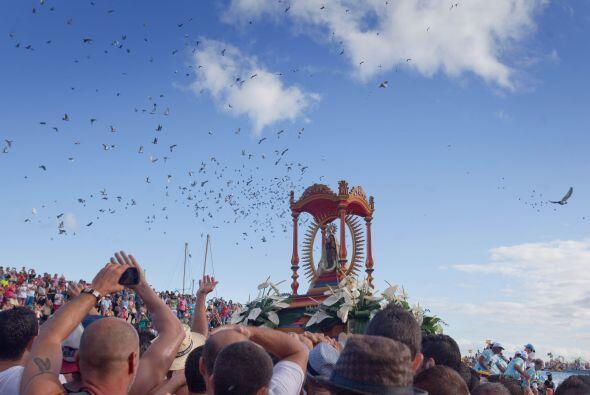 Procesión en honor a la Virgen de Guadalupe en San Sebastián de La Gomer...