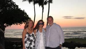 Raúl y Mia en Hawái.