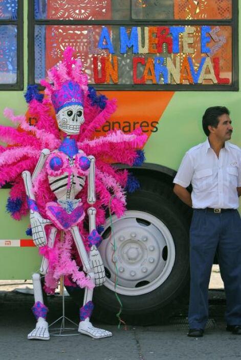 Una fiesta a la muerte: La tradición mexicana mezcla el sentimiento de l...