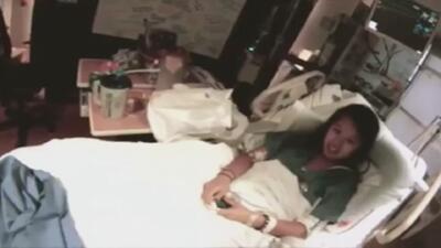 Video muestra a la enfermera con ébola Nina Pham en su habitación en Dallas
