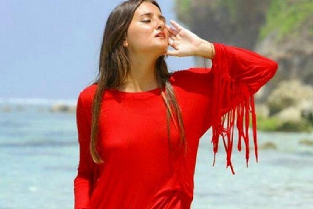 Una estudiante brasileña sacó a subasta su virginidad. El ganador de la...