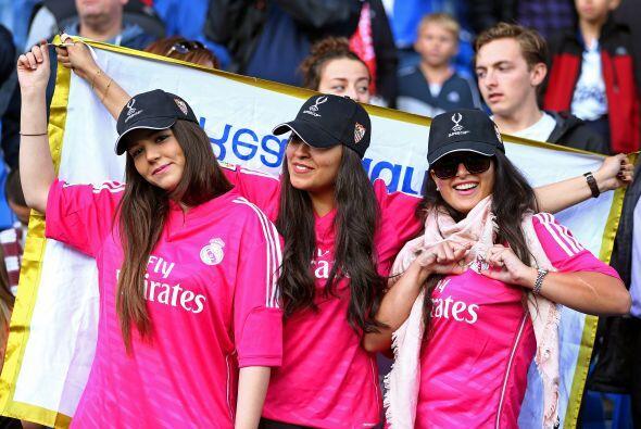 Mientras que los aficionados del Real Madrid lucían felices, ya q...