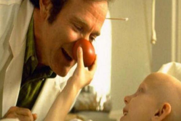 """""""Patch Adams"""" (1998) también fue en éxito en la taquilla y..."""