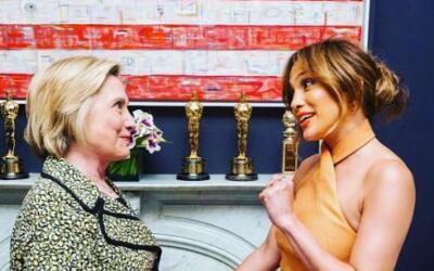 Jennifer Lopez mostró su apoyo total a la candidata demócrata, Hillary C...