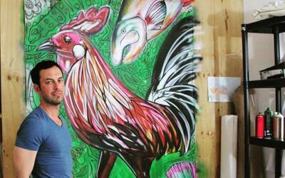 El estadounidense Jason Schell ha destacado con su obra como muralista e...