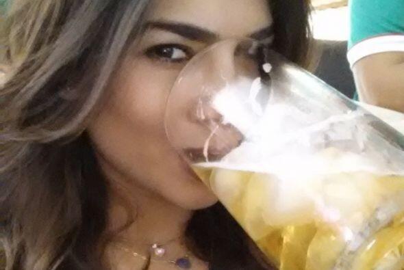 """Ale Espinoza también se """"hidrató"""" durante el par..."""