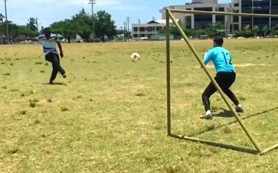Félix Fernández perdió un duelo de penales ante un trinitario y tuvo que...
