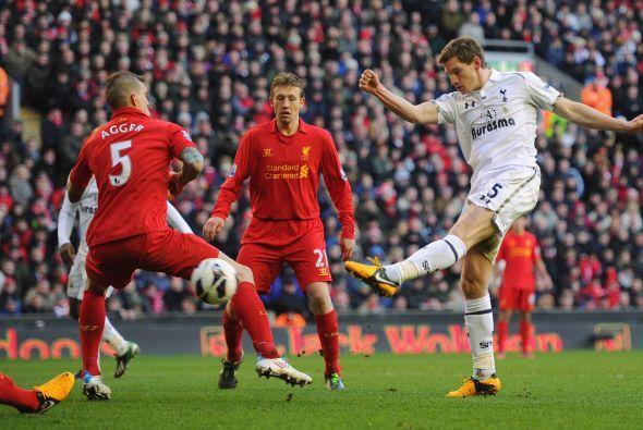 A pesar de que los 'Spurs' cayeron en su visita al Liverpool, Vertonghen...