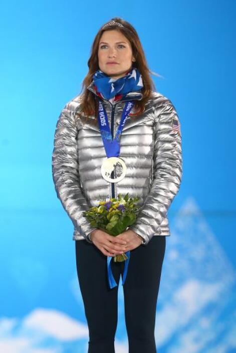Julia Mancuso, medallista de bronce en esquí combinado, es una de las fa...