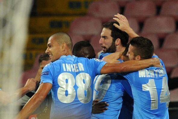 Más tarde, era el turno de Gonzalo Higuaín para dar la vuelta al marcador.