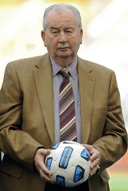 ''La solución es que Messi no juegue más para Argentina'': Julio Grondona.