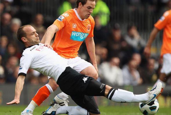 En el otro encuentro del día, el Fulham recibió al Blackpool.