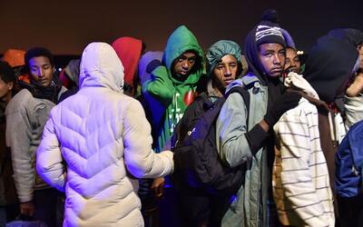 Miles de inmigrantes serán redistribuidos a centros de todo el pa...