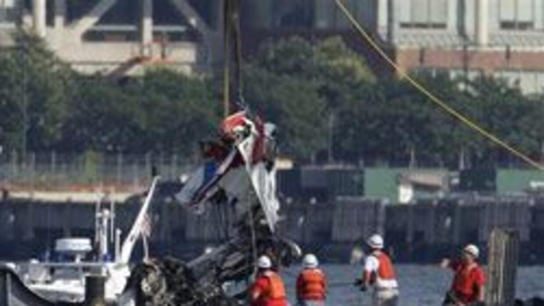 Ultimas dos victimas de accidentes encontradas en el Hudson 5338bb122144...