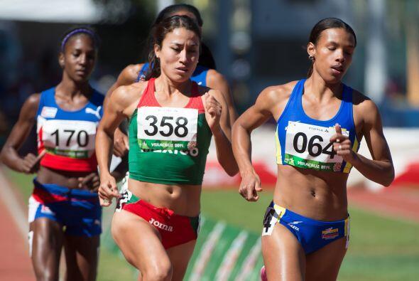 La presea de plata en los mil 500 metros femeniles del atletismo fue par...