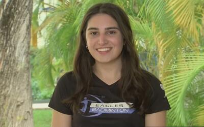 Una joven estudiante que sobresale por su amor a los animales y su pasió...